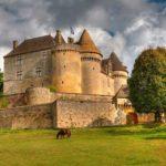 Château de Fenelon - Une des activités et sites à visiter à partir de la Maison d'Hôtes La Belle Demeure, au cœur du Périgord Noir en Dordogne