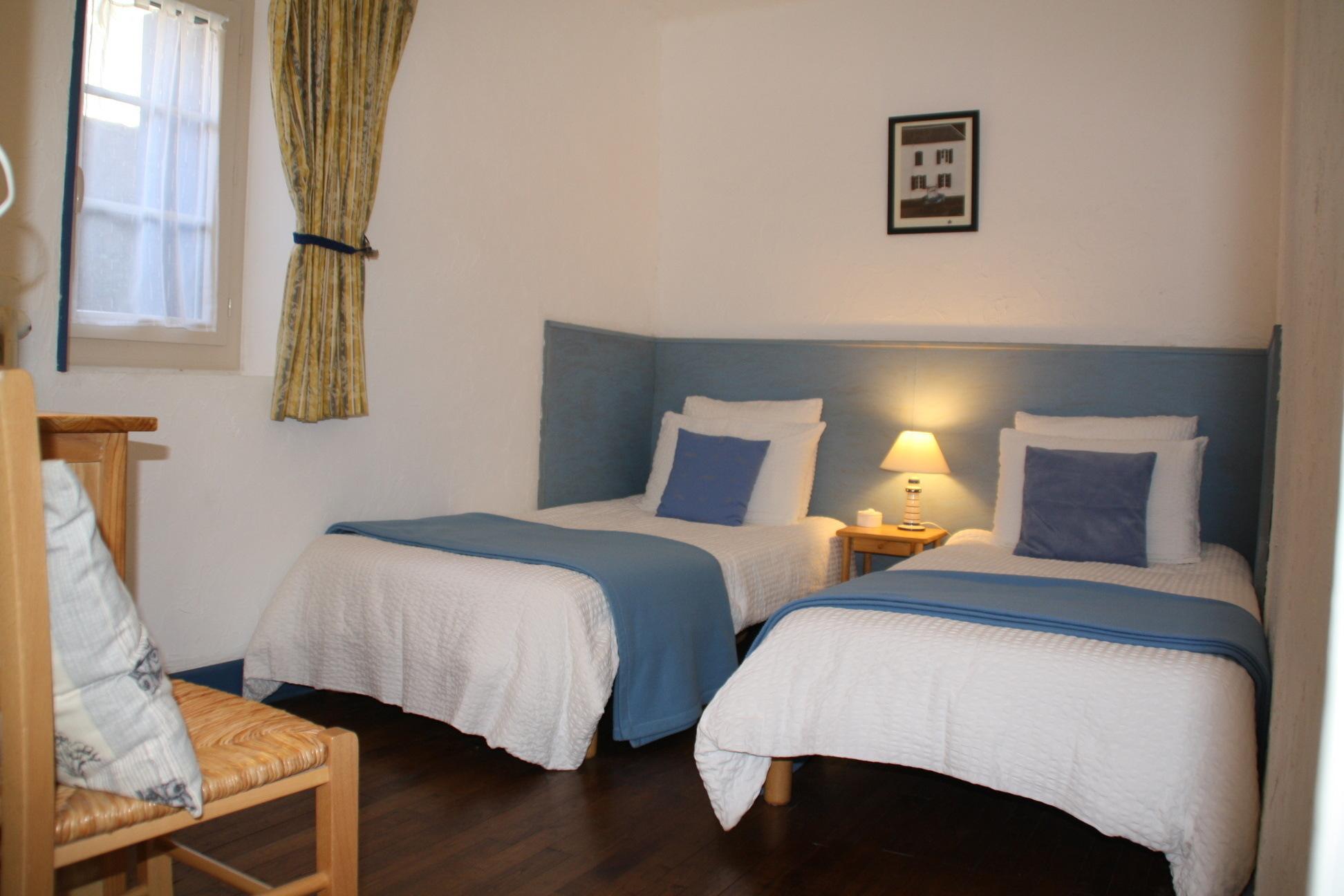 e8c6c0e7c44 La Chambre à 2 lits dans la Suite Familiale. Chambres d Hôtes La Belle